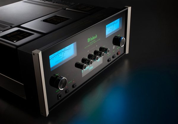 McIntosh MA8900 Integrated Amplifier
